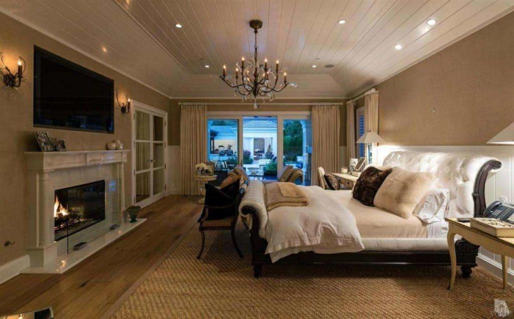 wayne-gretzky-house-lounge