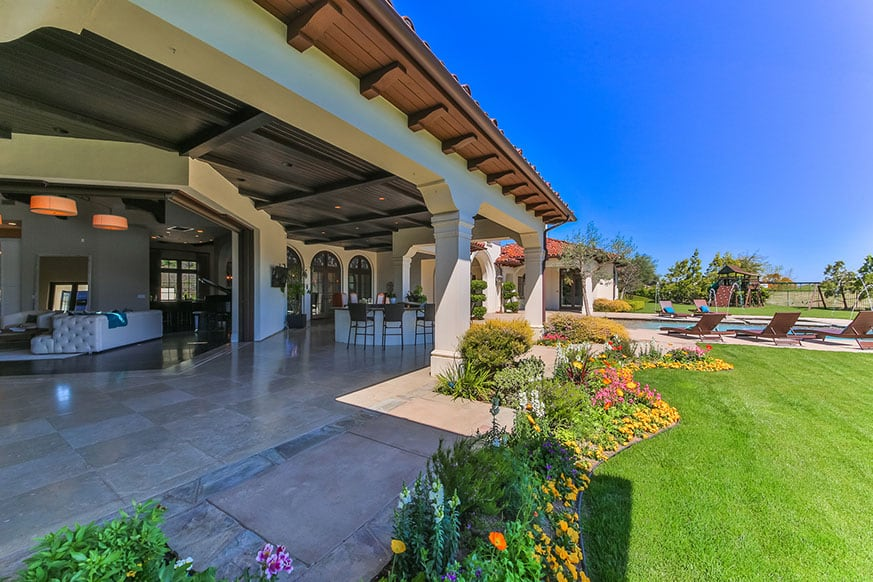 outdoor-britney-spears-house