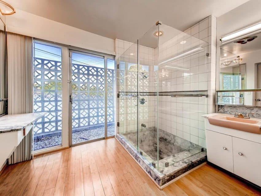 541-m-avenue-boulder-city-nevada-bathroom