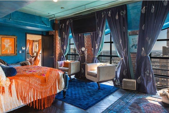 Johnny-Depp-house-bedroom