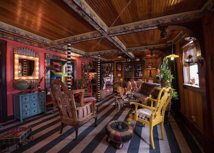 Ellis-Island-Ferry-home-living-room
