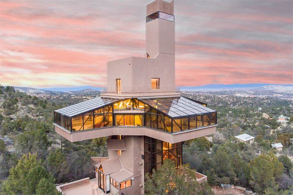 North America's Tallest Home, the Falcon Nest, is Up for Grabs at Upcoming Auction ⋆ Fancy Pants Homes