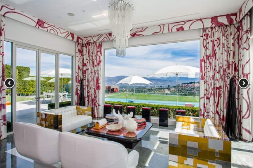 gwen-stefani-house-dining-room