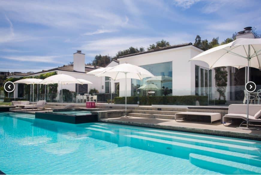 gwen-stefani-house-pool