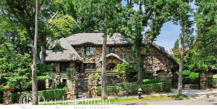 real-gingerbread-house-8220-narrows-avenue-new-york