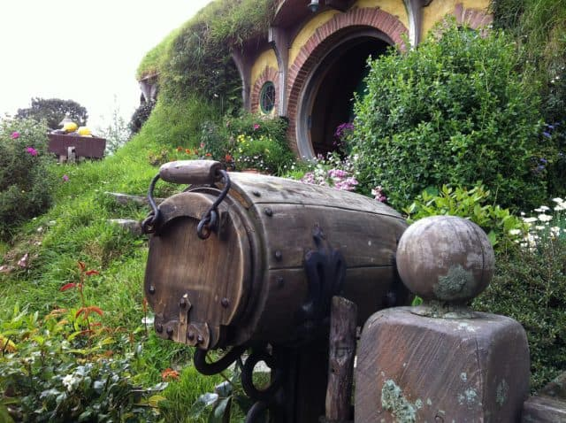 bilbo-baggins-home-entrance