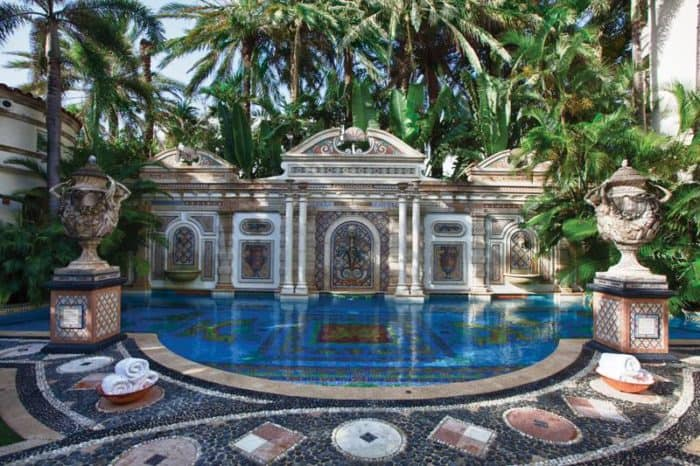 "Is it Real? The Versace Mansion in FX's ""American Crime Story: The Assassination of Gianni Versace"""