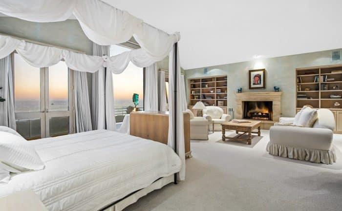 frank-sinatra-house-bedroom