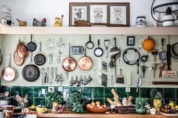 julia-child-kitchen-la-pitchoune