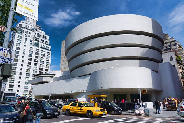 NYC_-_Guggenheim_Museum_Frank_lloyd_Wright_Buildings