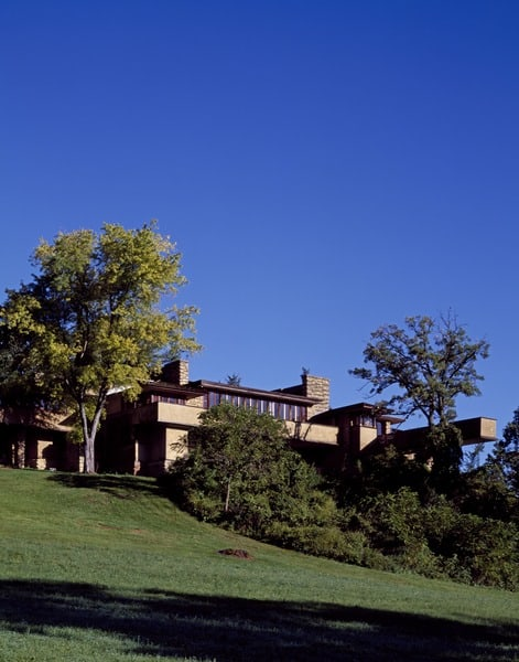 Taliesin,_the__natural_house__of_architect_Frank_Lloyd_Wright_and_one_of_the_nation's_most_famous_homes,_Spring_Green,_Wisconsin_LCCN2011632365.tif
