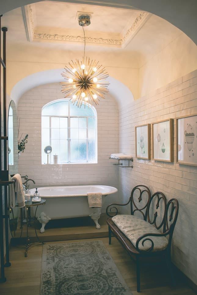 architecture-bathroom-bathtub-1370763