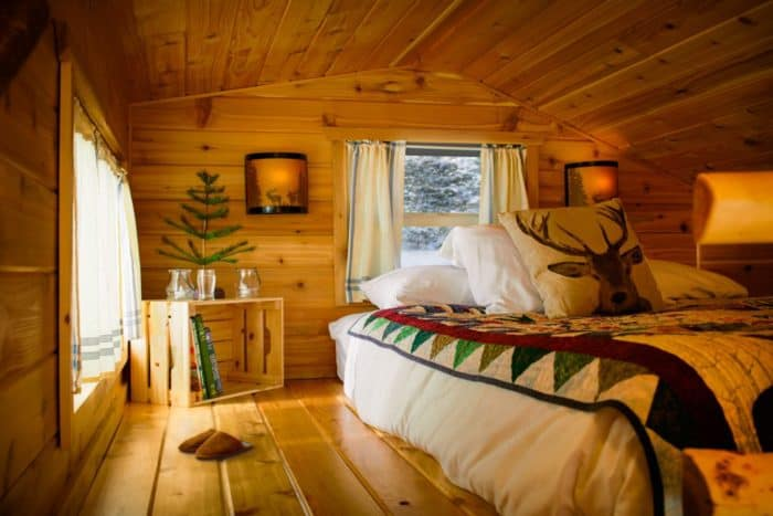 north-pole-elves-homes-interiors