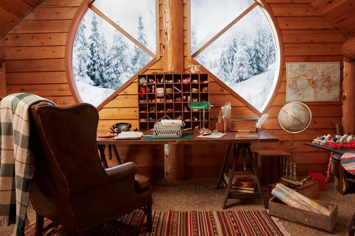 santa-claus-home-office