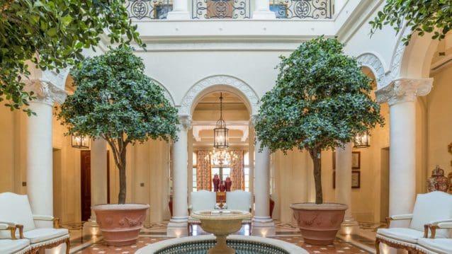 Eight-bedroom Villa in Emirates Hills - exterior 2
