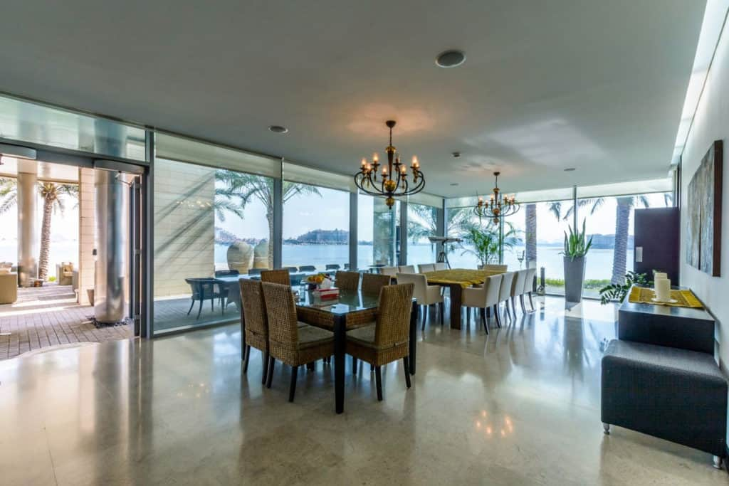 Eleven-bedroom Villa in Palm Jumeirah