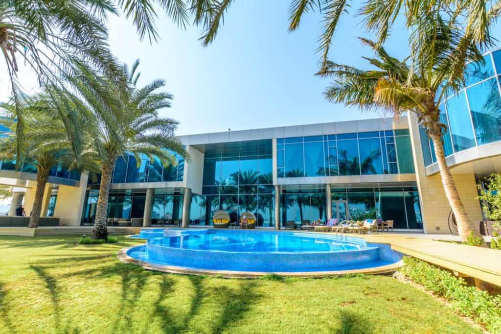 Eleven-bedroom Villa in Palm Jumeirah - exterior