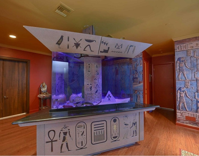 shaquille-oneal-home-fish-tank