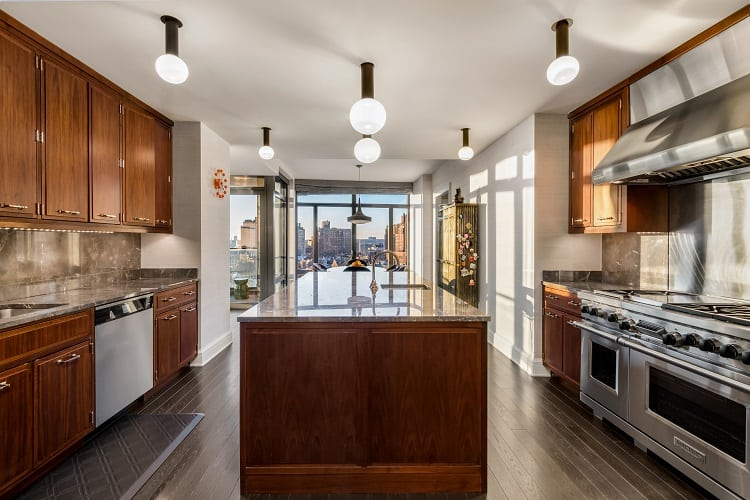 condo-at-the-greenwich-lane-kitchen