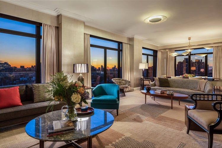 condo-at-the-greenwich-lane-living-room