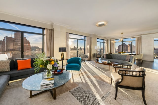 condo-at-the-greenwich-lane-living