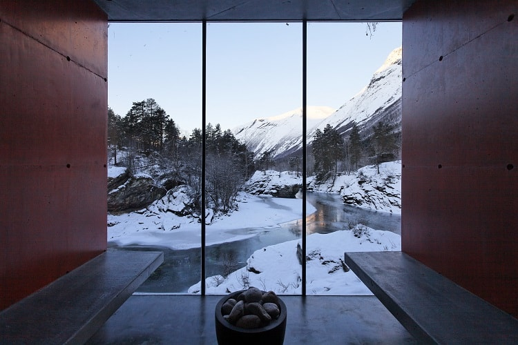 inside-the-ex-machina-house-view