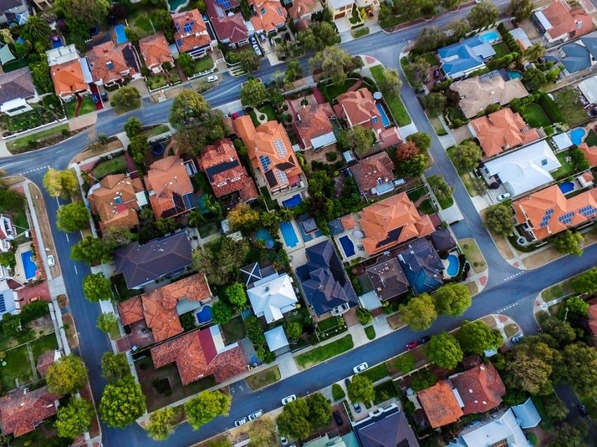 neighborhood-with-homeowners-association