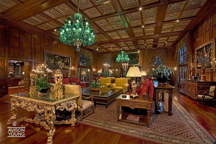 Asherwood Estate inside main room