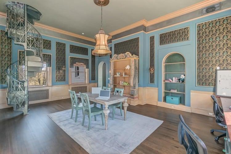 Inside the gloria crest estate.