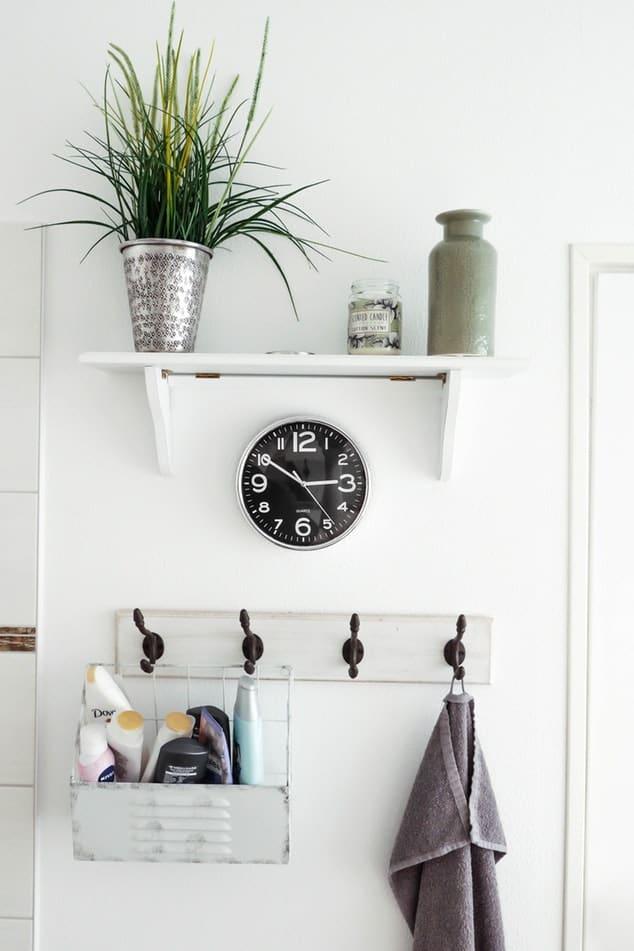 bathroom decor elements