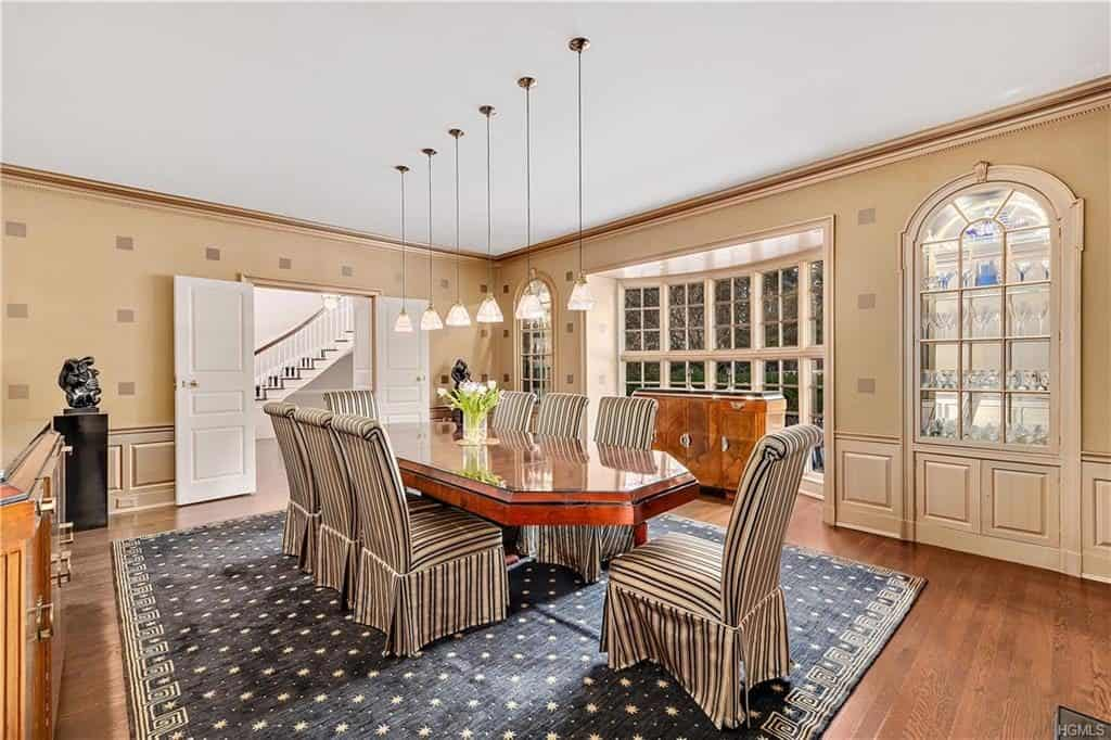 westchester house for sale at 15 Richbell Road, Scarsdale