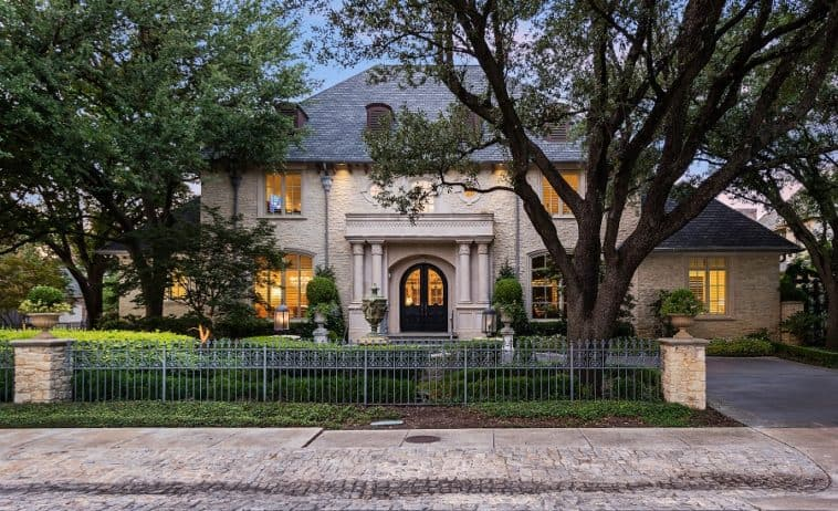 texas mansion going to auction