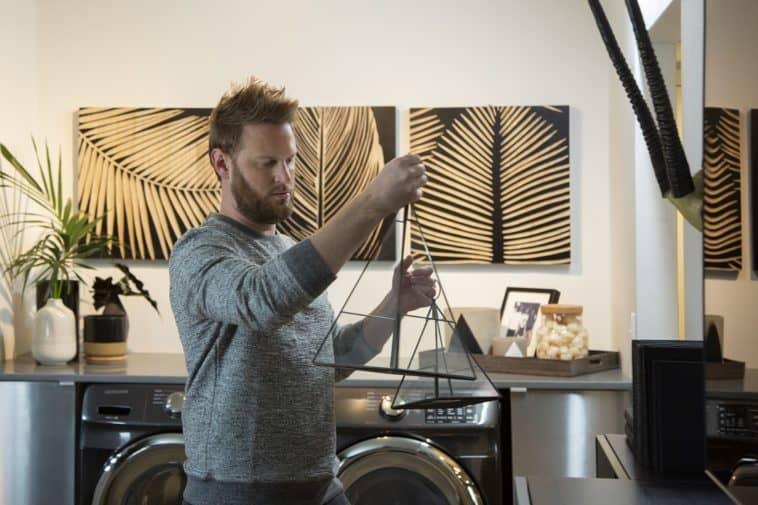 bobby berk queer eye design expert tips on wall decor