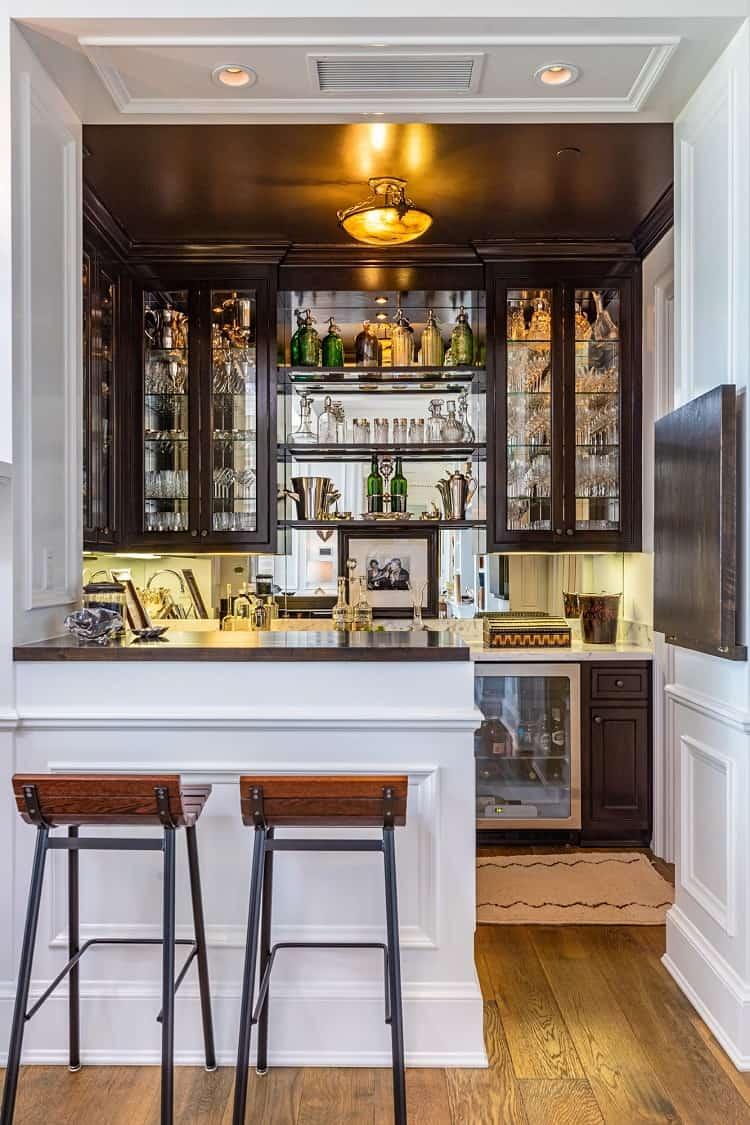 rob lowe house in montecito california bar