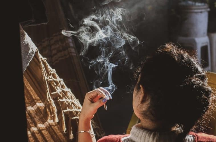setting up your smoking room at home
