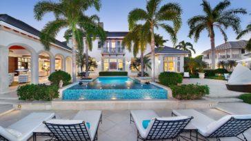 naples luxury auction