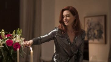Anne-Hathaway-apartment-modern-love