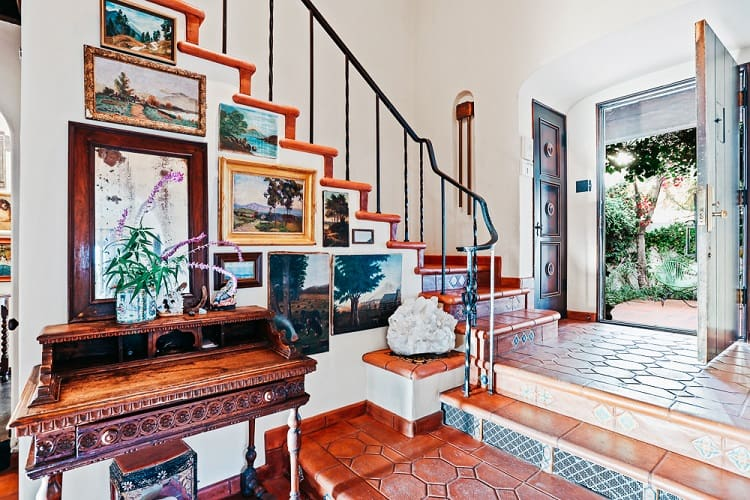 house for sale 3892 Franklin Avenue, Los Angeles CA