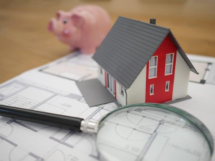 budget piggy bank