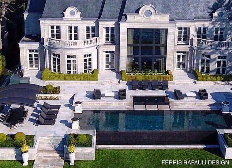drake's toronto mansion