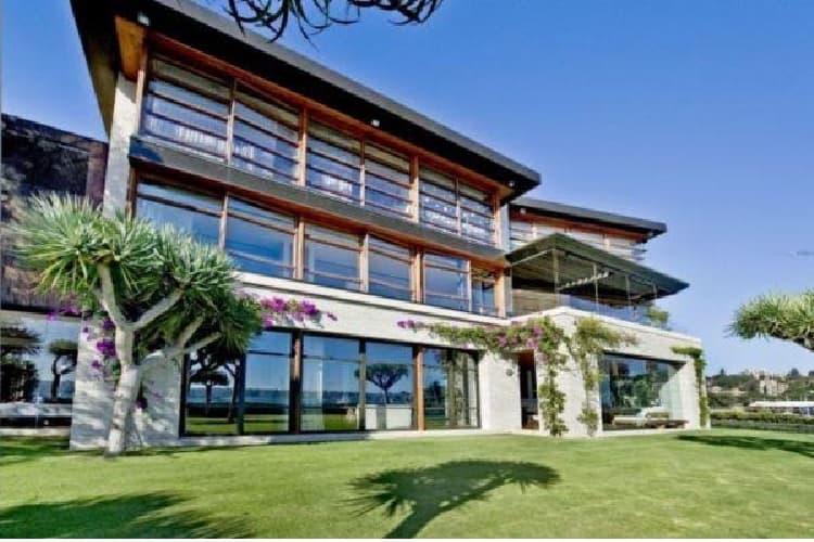 Andrew Roberts Mansion, Australia