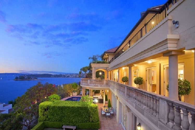 Mandalay Mansion, Australia