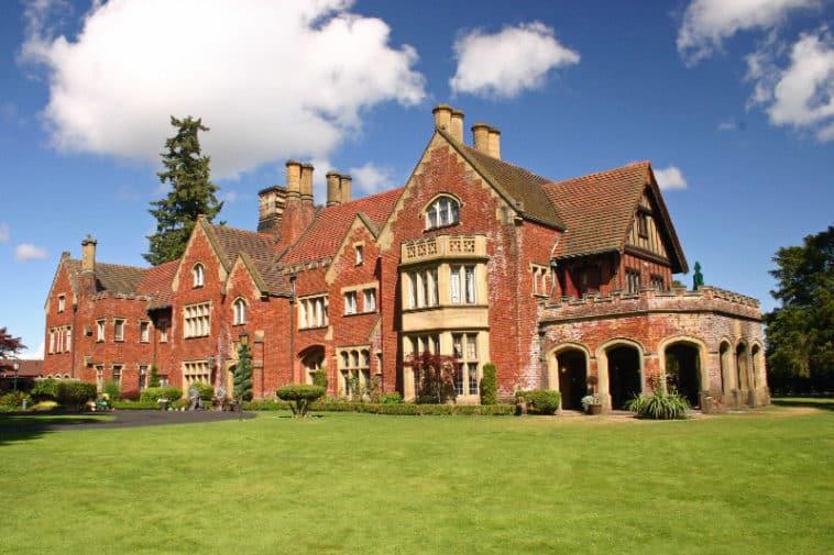 Thornewood Castle aka Rose Red