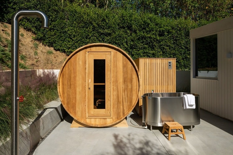 jason statham barrel sauna at home