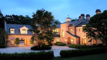tom brady house brookline ma