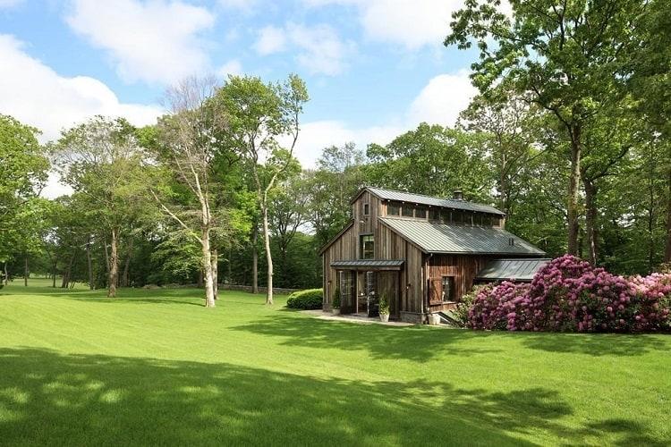 tom brady's barn guest house