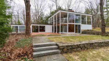 The house in Knives Out for sale in Boston