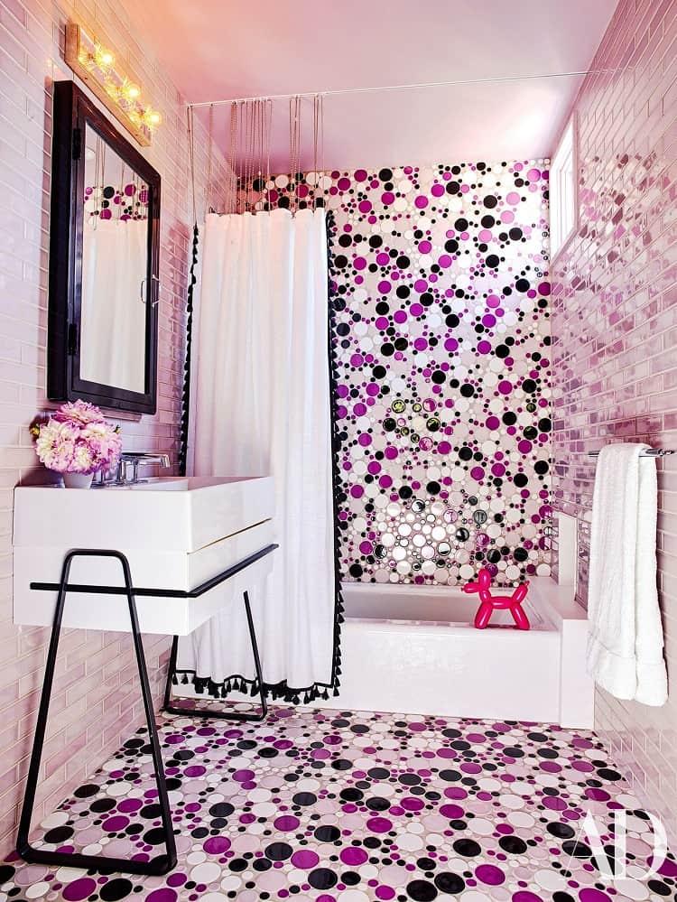 robert-downey-jr-stylish-bathroom