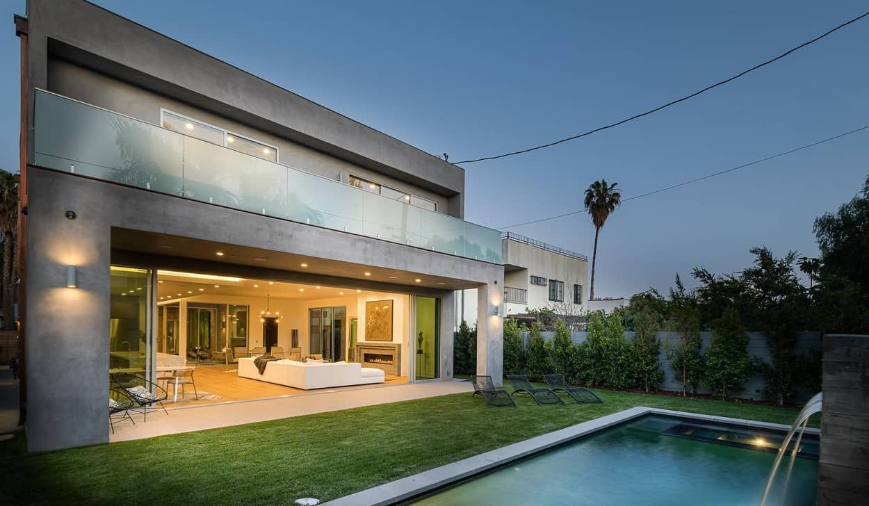 newly built luxury house in beverly hills
