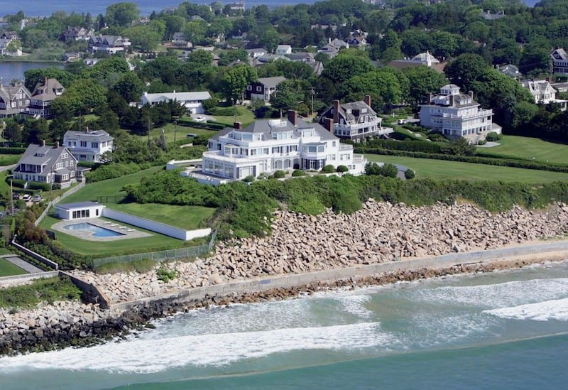 The Story Of Taylor Swift S Holiday House Home To The Last Great American Dynasty